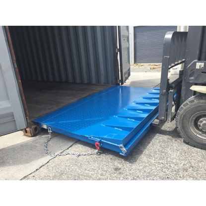 Arrow 2-in-1 Container Ramp (Refrigerated & Standard)